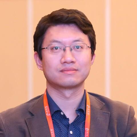 江苏先声药业有限公司, 总裁助理、业务发展部总经理 王青松
