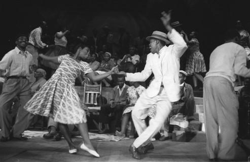 10月15日| Swing Dance 摇摆舞之林迪舞零基础新班报名开始啦!Start your Lindy Hop life from Cat's Corner!